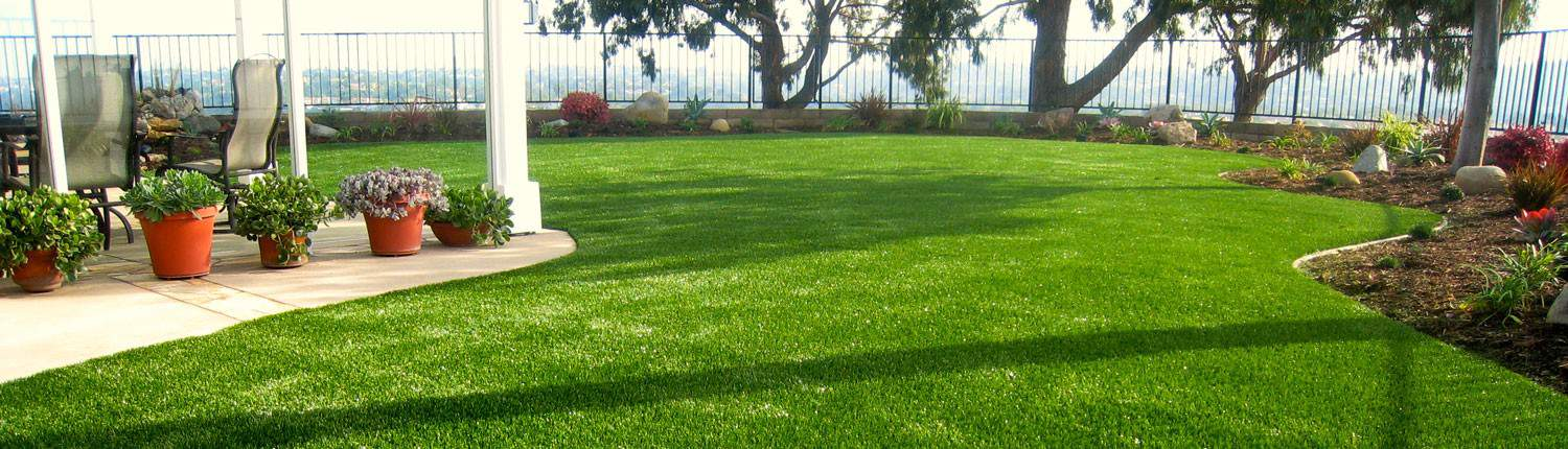 artificial turf yard.  Yard SGW Jacksonville  On Artificial Turf Yard